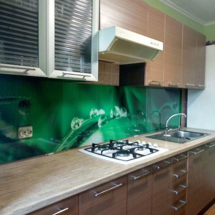 фартух на кухню зі скла фото, скіналі фото, скляний фартух на кухню фото, кухонний фартух фото 3765
